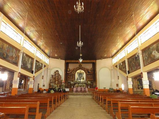 Iglesia La Soledad : inside the church