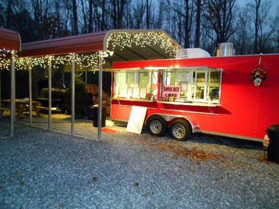 Shore Beef and BBQ : Shore Beef & BBQ decorated for the Holiday!!!!!