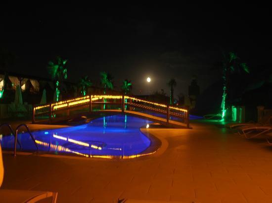 Sentido Flora Garden: 'Quiet' pool at night