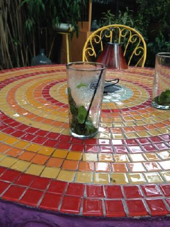 Corteza Amarilla Lodge: my yummy mojito on mosaic hand crafted table