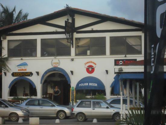 Zeezicht Restaurant : As seen from Karel's Beach Bar.