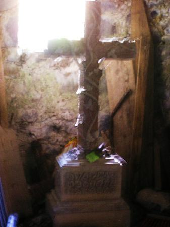Quin Franciscan Friary: Quin Cross