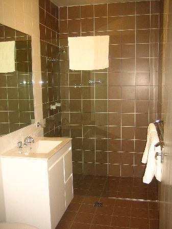 Hotel 59: bathroom