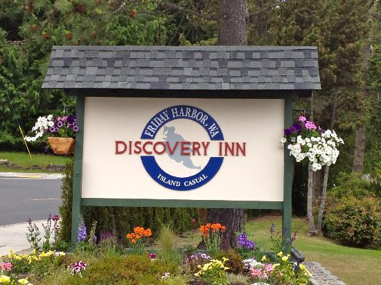Discovery Inn: Entry sign