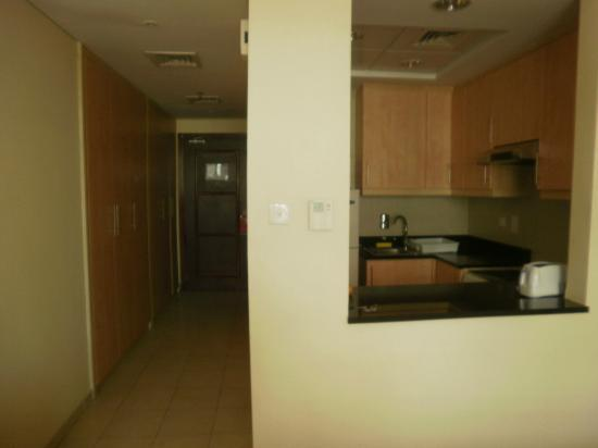 Grand Midwest Express Hotel Apartments: habitacion