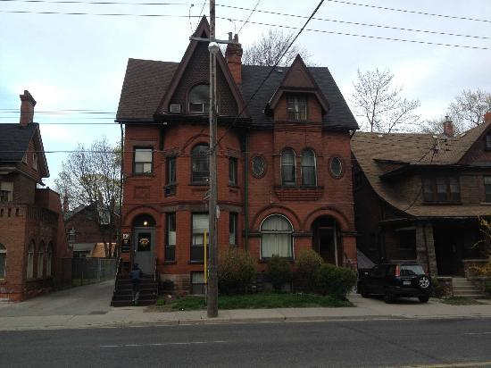 Annex Quest House: Casona vieja, remodelada y acondicionada, excelente opción