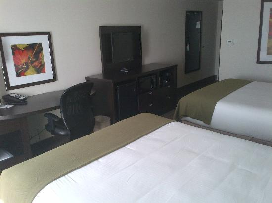 Holiday Inn Express & Suites New Liskeard: 2 queen bedroom