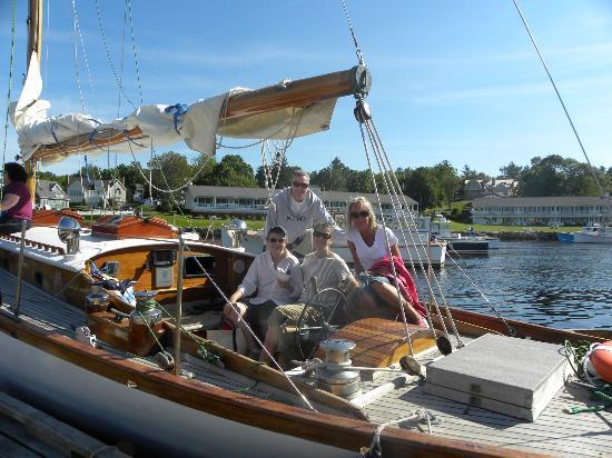 Silverlining Sailing: Family photo