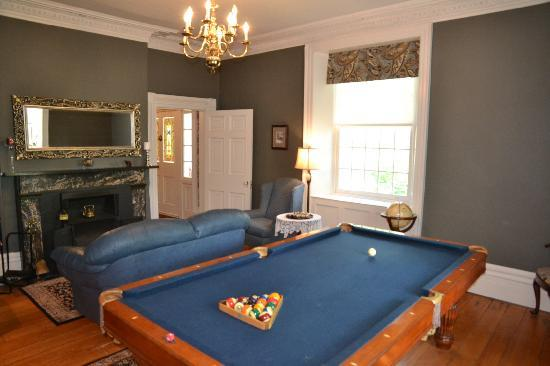 Brockamour Manor Bed and Breakfast: Play Billiards in our Games Room