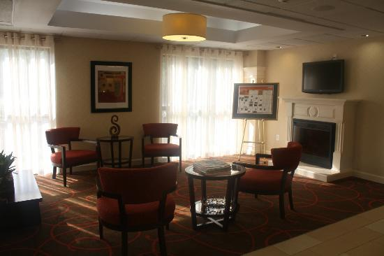 Holiday Inn Express Stone Mountain: Lobby