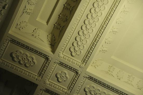 Embassy Suites by Hilton Portland - Downtown: Ceiling detail in lobby