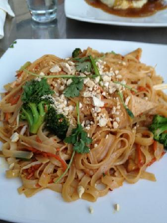 Cafe Green: spicy Thai noodles