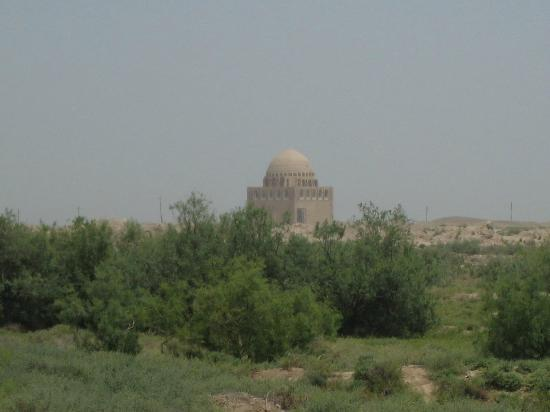Mary, Turkmenistan: Mausoleum