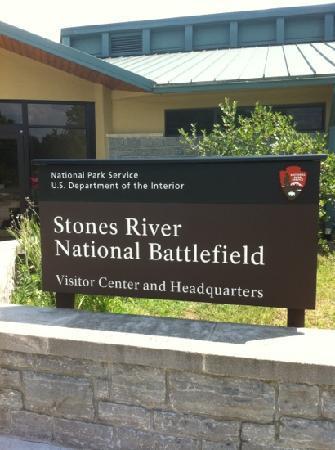 Cannon at Stones River National Battlefield- テネシー州、マーフリーズボロの写真マーフリーズボロの写真: Cannon at Stones River National Battlefield