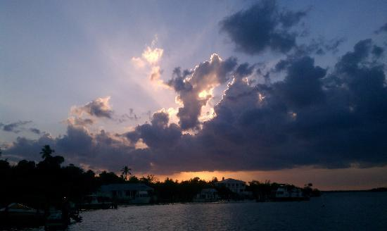 Cabbage Key Inn: Cabbage Sunset from the dock