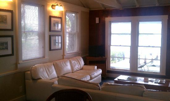 Cabbage Key Inn: living room