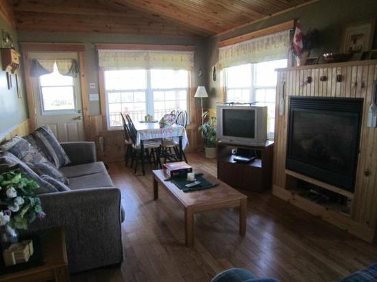 Dreams to Sea Cottages: View of Living Room