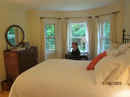 Seven Oaks Bed and Breakfast: Bedroom