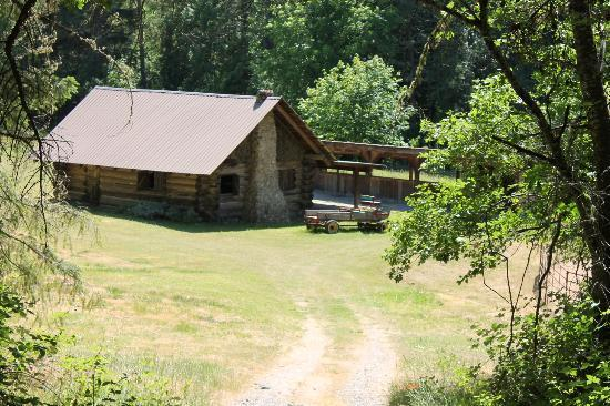 Doubletree Ranch: Log Cabin where they filed Grizzly Adams movie