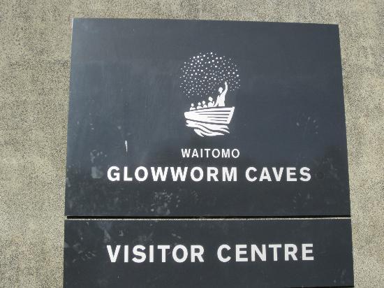 Waitomo Glowworm Caves: Entrance
