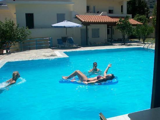 Villa Malia: Pool