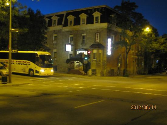 Hotel Viger at Night
