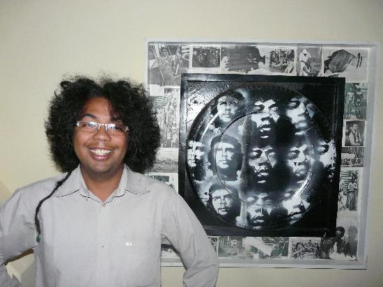 Is'Art Galerie : myself behind one of my painting
