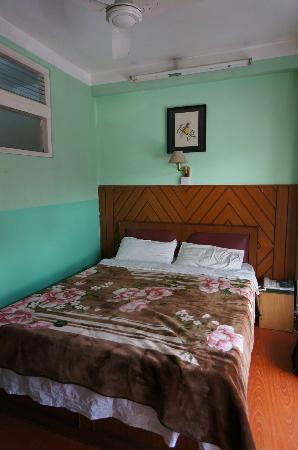Hotel Lucky Star: Bedroom
