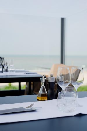 Hotel de Blanke Top: Terrase with sea view