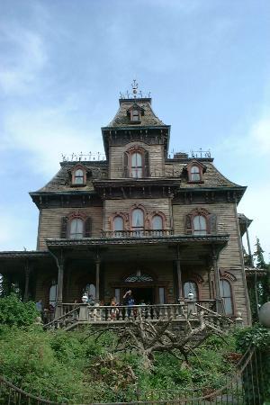 Maison hant e photo de parc disneyland marne la vall e for Maison marne la vallee