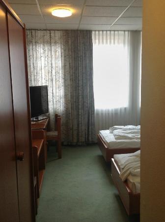 Hotel Astoria: Double room view from corridor