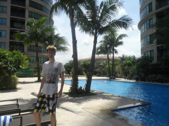 Joya Lofts & Towers: Pool Area