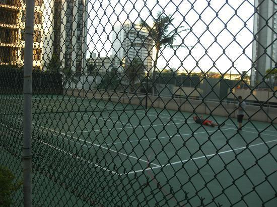 ワイキキ バニアン, テニスコート