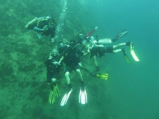 Assava Dive Resort: Some of our fellow DMt's when we were all in training