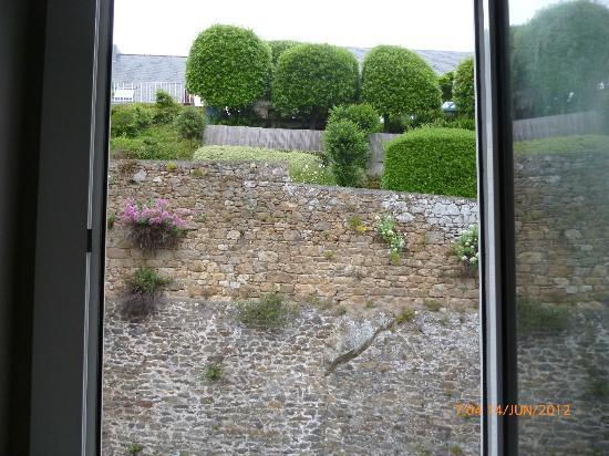 Hotel De La Vallee : vue de la chambre