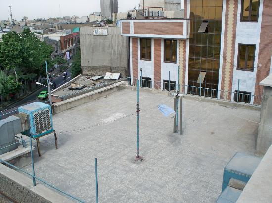 Firouzeh Hotel: Roof