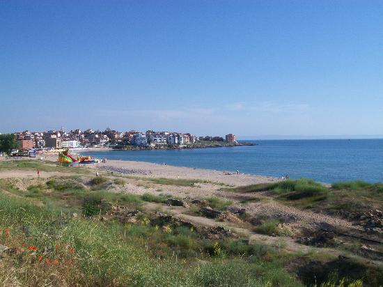 Hotel Hera: The beach closest to the hotel. The new part of Sozopol in the background