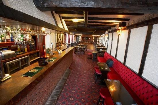Claxton Hotel: the bar