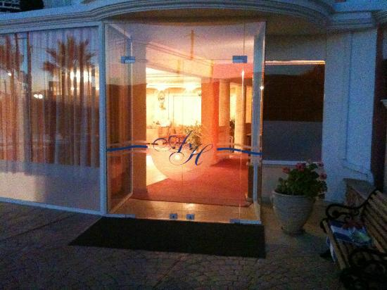 Arkadia Hotel: Entrance