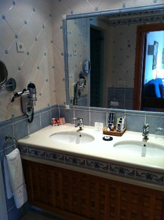 Princesa Yaiza Suite Hotel Resort: Badkamer 246C