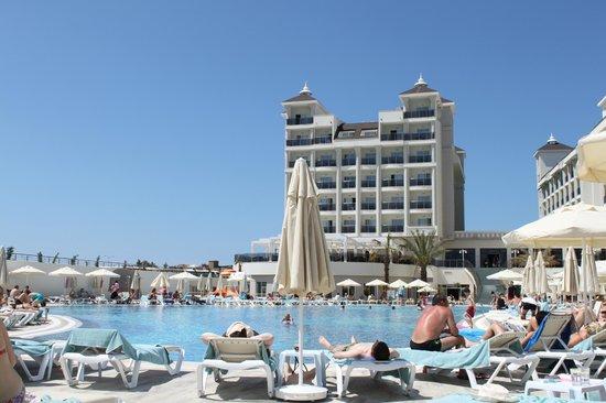 Lake & River Side Hotel & SPA: Pool