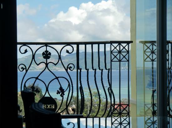 Okinawa Spa Resort EXES : 部屋からの眺めも良し。