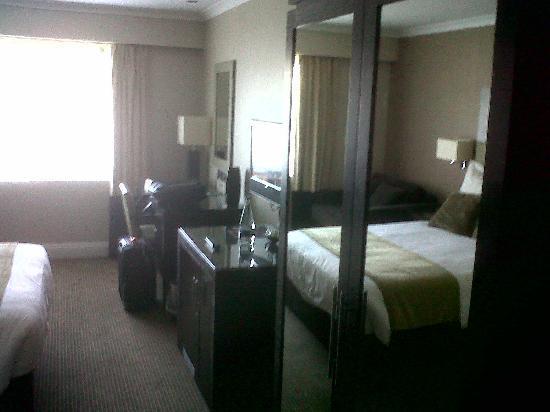 Felbridge Hotel and Spa: room (mirror9