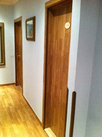 Hotel Pensione Eden: la porta della camera