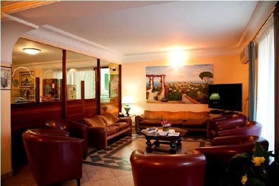 Hotel Carmencita: Sala lettura Tv