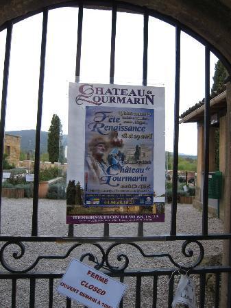 Chateau de Lourmarin: 「ルールマラン城まつり」のポスター