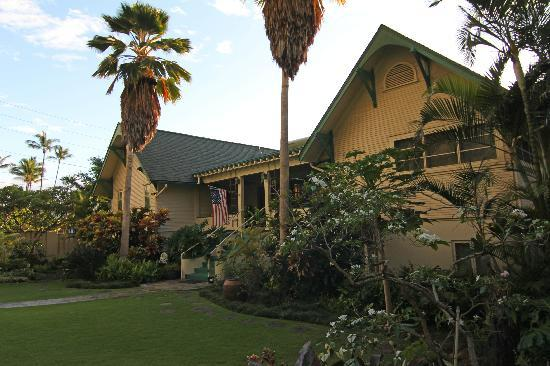 Old Wailuku Inn at Ulupono: Rear Yard