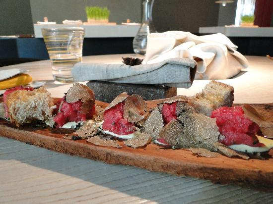 Рубано, Италия: raw beef with white truffle