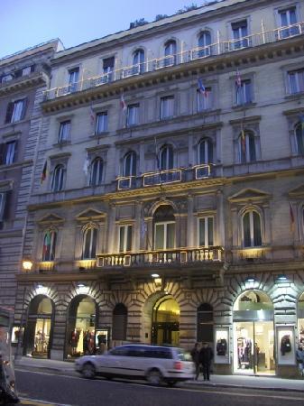 Hotel Artemide - room photo 11026177