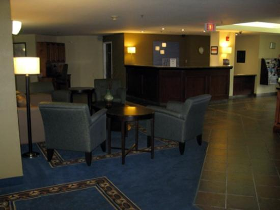 Chateau Bedford : Lobby Area
